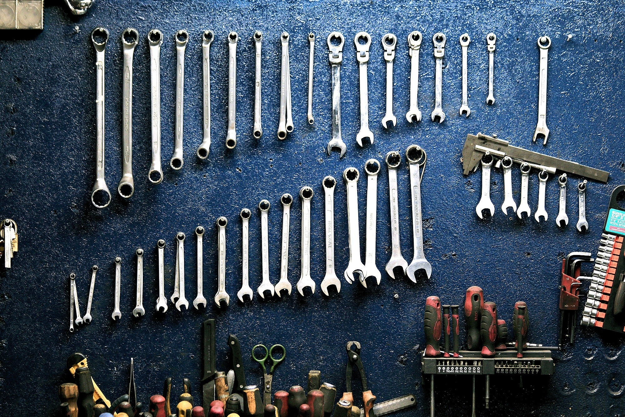 Ideas to Tackle Garage Organization